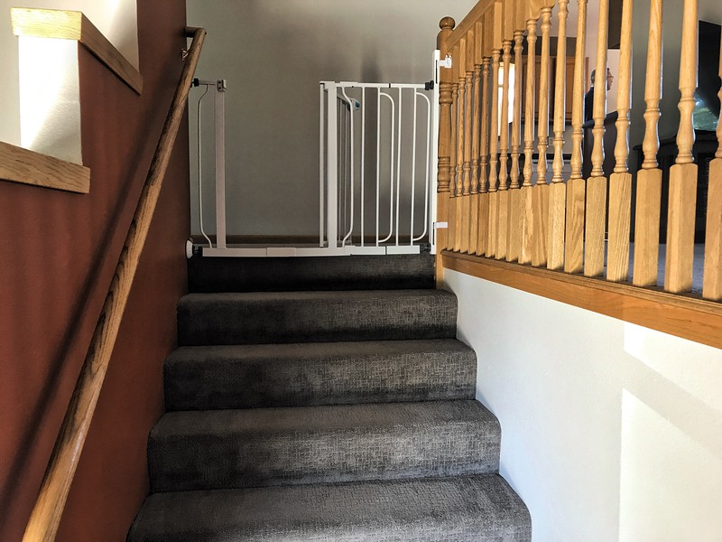 Stairs to Upper Level 001