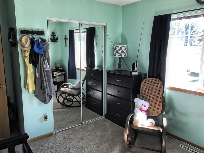 1st Bedroom 004