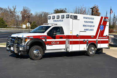 614B from Purcellville, VA VRS is this 2017 Ford F450 4x4/Braun Express.