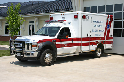 Three Ford F ambulances/Horton ambulances and several Chevrolet EMS chase vehicles make up the roster at Station 14. 614-2 is a 2009 Ford F450/Horton.