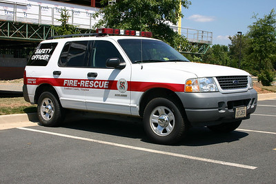 Ex- Safety officer vehicle photographed in 2006 - 2005 Ford Explorer.