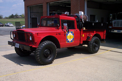 Jeep 610 is an ex-military Jeep modified for fire service in 1999.  The Greenfield Farm in Lucketts did much of the work.  1969 Kaiser Jeep  200/200.  2014 Update - still owned by Station 10 however not in service.
