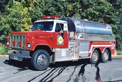 Tanker 10 received another facelift in 1999, a rehab by LSI extended the life of this 1990 International/1977 4-Guys.  500/3000/100.