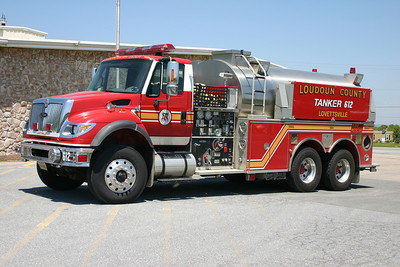 Lovettsville sold their 1999 Pierce Dash 1500 gallon tanker in 2011.  Replacing the Pierce was this county owned 2005 International 7600/Pierce 1500/3000 that originally saw service in Hamilton as Tanker 5.  This International tanker became reserve Tanker 680 when it was replaced in 2013 when Lovettsville took delivery of a new Mack Granite/Pierce tanker.