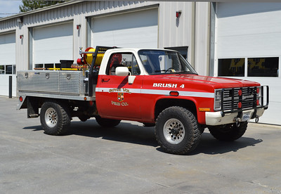 Boyce, Virginia Brush 4 received an upgrade in 2016 with the addition of a new skid unit.  1984 Chevrolet Custom Deluxe/2016 Wildland Warehouse/FD.  95/200/10.  Ex - Mt. Weather, VA.