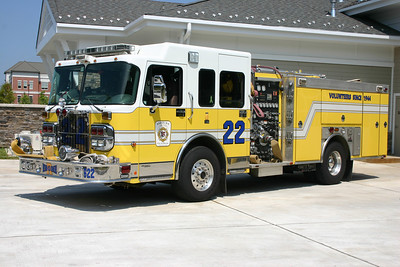 Reserve Engine 622 is also one of two purchased by Ashburn volunteers.  It is a 2005 Spartan Gladiator/Ferrara  1500/500/20.  It is old Reserve Engine 623.  For sale in 2017.