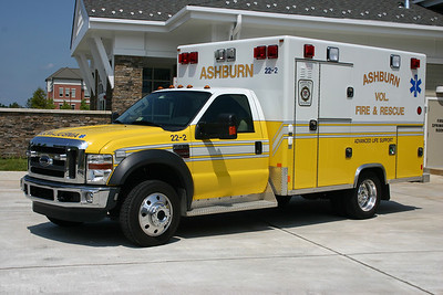 Former 622B/22-2 is one of two purchased by Ashburn and is a 2008 Ford F450 4x4/Excellance.  Lansdowne Hospital is right down the street from Fire Station 22.