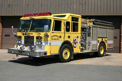 Engine 603 prior to the rehab work in 2009 - a 1998 Pierce Saber 1250/1000.