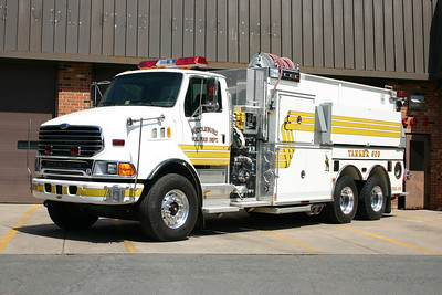Tanker 603 was this large 2006 Sterling LT9500/Pierce equipped with a 1000/3500.  Sold in May of 2015 when the volunteer program in Middleburg dissolved.