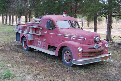 "Based on a 'lead"" from Facebook, I found Middleburg's old 1954 Seagrave 500-B  1000/500 on a farm in Chantilly, Virginia.  It is my understanding that the Seagrave has been at the Ticonderoga Farms since 1997 and still runs, although it needs some mechanical work.  Although I have an older photograph of this Middleburg Seagrave from another collector, it was exciting finding the truck and seeing it ""live""."