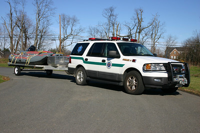 Command 17 is one of several utility vehicles used to tow the boats at Station 17.  Command 17 is a 2004 Ford Expedition equipped by Fast Lane.