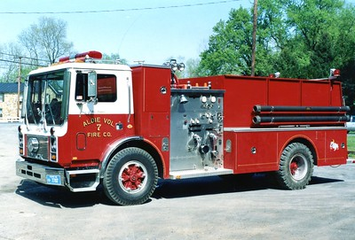 Former Tanker 7, a 1989 Mack MC/1979 Ward, 750/1250.  Sold to a department in Wisconsin in 2005.