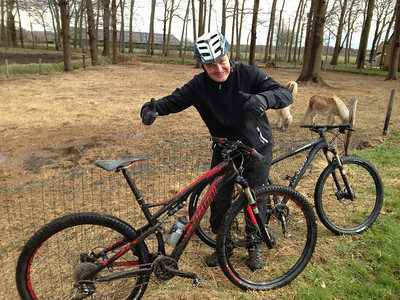 Op 16-04-2013 heeft Danny 2 testfietsen geregeld van bij Fietsen Schenk. Deze gaat het worden voor Danny. Bloso MTB parcours te Essen.
