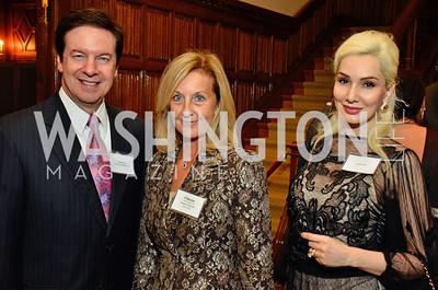 Paul Lee; Yvonne Thunell; Ioana Lee