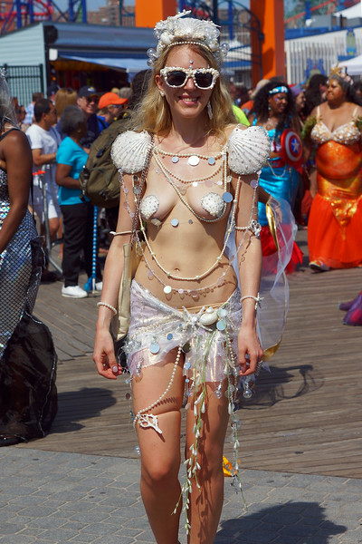 06 Mermaid Parade