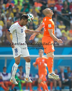 Arjen Robben, Gonzalo Jara