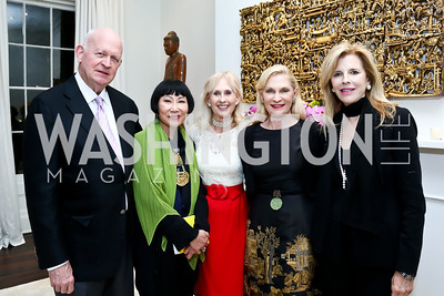Michael Pillsbury, Amy Tan, Willee Lewis, Jane Cafritz. Susan Pillsbury. Photo by Tony Powell. PEN Faulkner Supper with Amy Tan and Deborah Tannen. Pillsbury residence. March 2, 2014