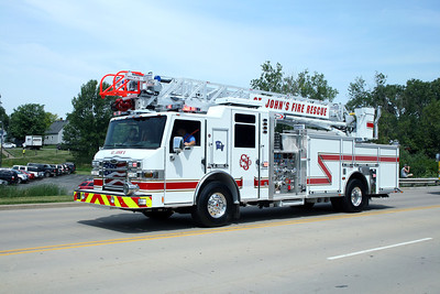 ST JOHNS FIRE RESCUE LADDER 1