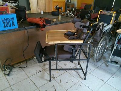 zelfontwerpen stoel aangepast aan de handicap van de gebruiker
