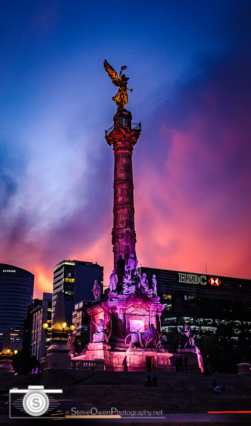 Angel of Independence at Dusk