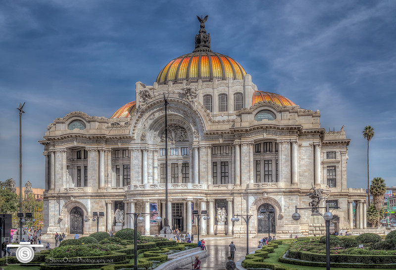 The Palacio de Bellas Artes from the Right