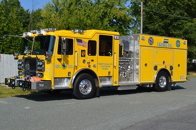 OWL placed into service three of these Seagrave engines in 2016.  Engine 502 is a 2015 Seagrave TB50C0 equipped with a 1500/750/40/40.  Seagrave serial number 78H56.  Note the traditional OWL three Mars warning lights on the front cab.