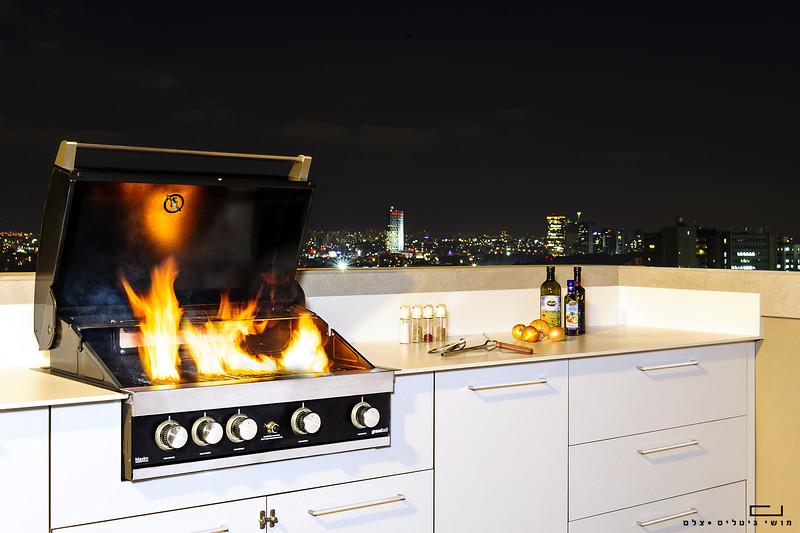 """מטבח חוץ בדירה בת""""א. צולם עבור חברת רם אינגבר - מטבחי חוץ"""