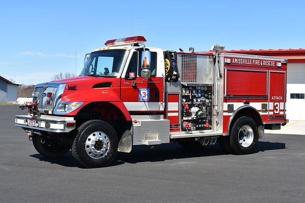 Amissville, Virginia Attack 3 - a 2004 International 7400 4x4/2005 Pierce Hawk with a 1000/500/30A.  Pierce job number 16228.  Note the bumper mounted remote nozzle.