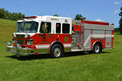 Engine 4 is a 2006 Smeal Sirius, 1500/1000/20, sn- 3099.