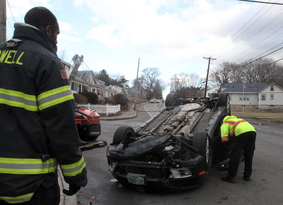 Rollover on Westford St Lowell 122716