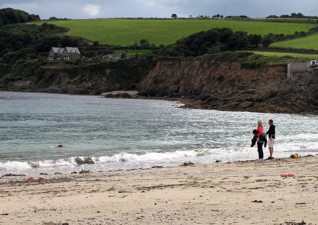 There was much amusement on the beach when the Spaniel puppy went into the sea and tried enthusiastically to retrieve a mooring buoy which was anchored to the sea bed.   The owners called and called, but the man eventually had to go into the water to get the dog.