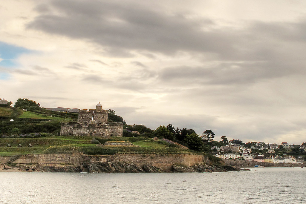 St Mawes Castle, built by Henry VIII to protect the harbour from those dastardly French!