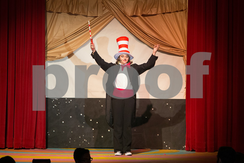 Stage L 2014 Seussical-9569