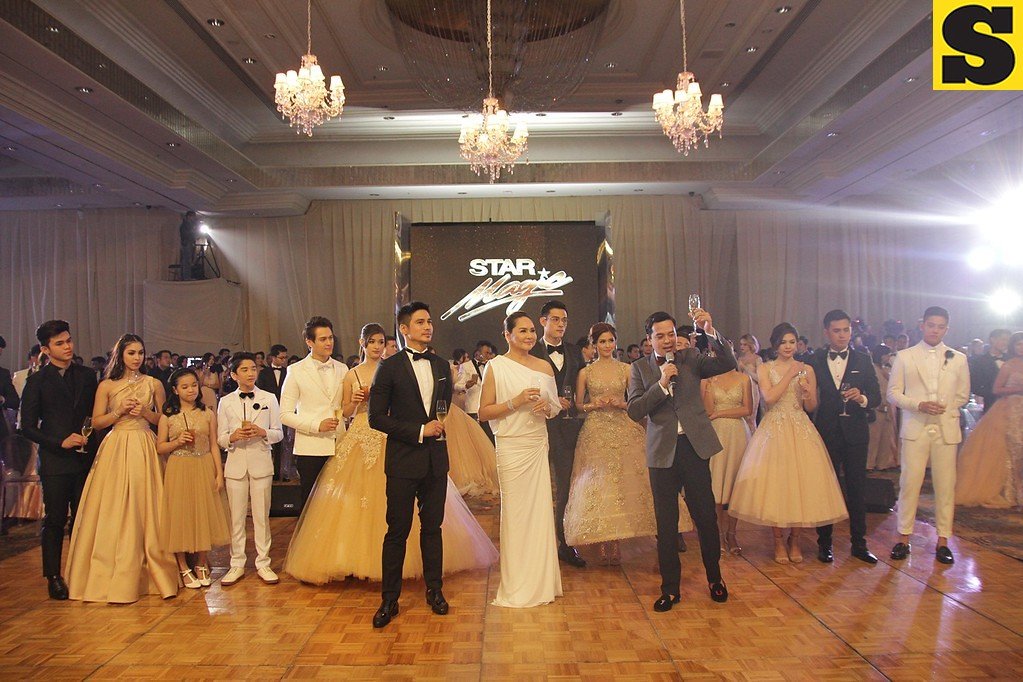 Star Magic artists with ABS-CBN President and CEO Charo Santos-Concio