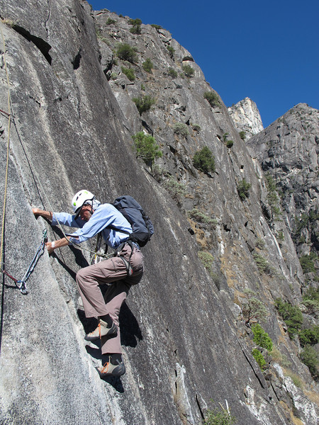 25/10/13 Chris on the start to pitch 3, which begins with and airy step right. It was airy all right!