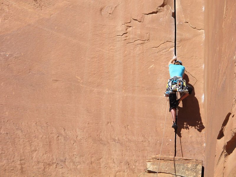 """16/10/13 Classic Kitty manoever, straight-in jamming on purple to green camalot size crack. The route description says """"mostly 5.10 hand crack, though the start gives some people fits"""". I did a Kermit, then just cranked through the pain. Neil and Mark had other ideas..."""
