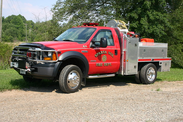 Sparta, Virginia in Caroline County - Brush 4 - 2005 Ford F550/CES/Singer with a 300 gallon water tank.
