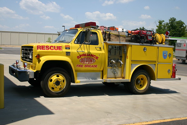 Spruance Fire Brigade - Richmond, Virginia.  No information on this Chevrolet C60/E-One, photographed at the Singer shop in Richmond.