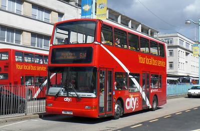 439 - Y816TGH - Plymouth (Royal Parade)