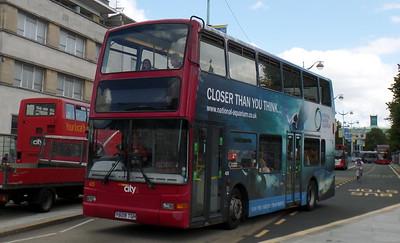 425 - Y828TGH - Plymouth (Royal Parade)