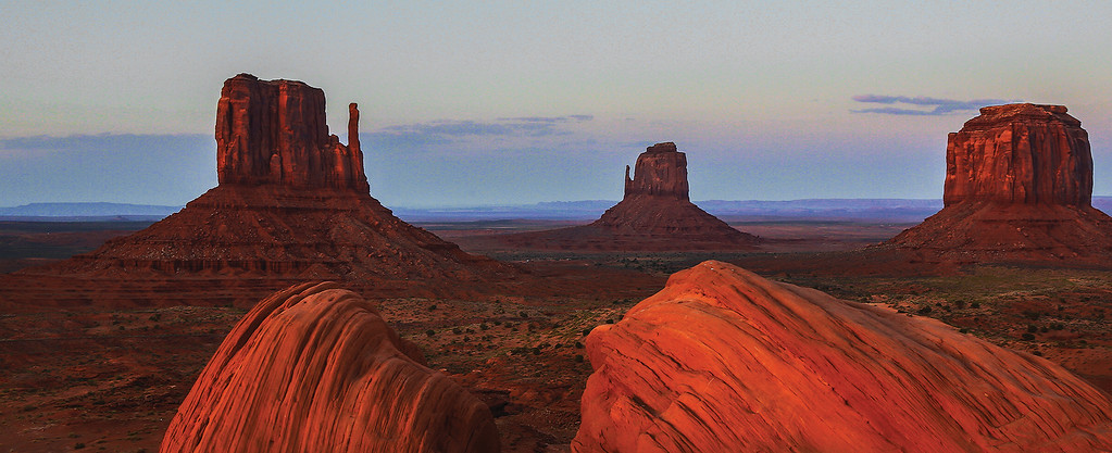 MONUMENT VALLEY SUNSET, MONUMENT VALLEY UTAH