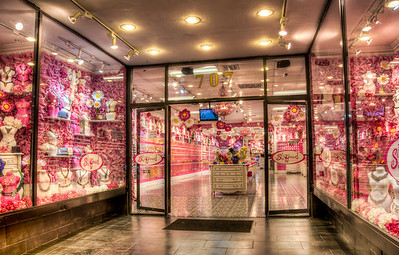 pink-jewelry-shop-2