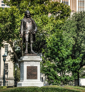 benjamin-franklin-statue-2