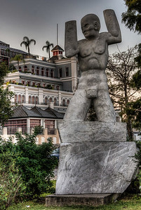old-man-river-statue-1