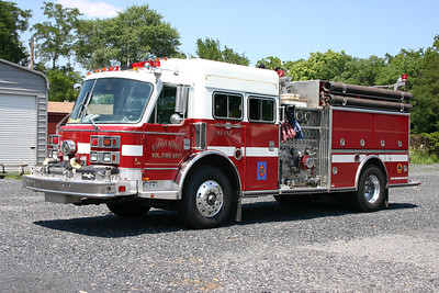 Former Engine 1-1 was this 1988 American LaFrance 2000, 2000/750.  Replaced several years ago.