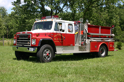 Former Engine 3 ran from the substation.  It was a 1982 International/4-Guys, 750/1000, sn-F663.