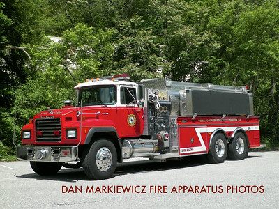 GLEN ROCK HOSE & LADDER CO. TANKER 59 2001 MACK/NEW LEXINGTON TANKER