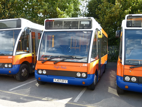 Centrebus [High Peak] 236 160807 Dove Holes