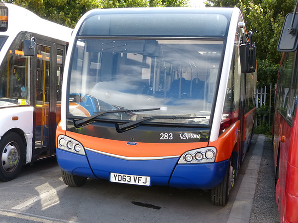 Centrebus [High Peak] 283 160807 Dove Holes