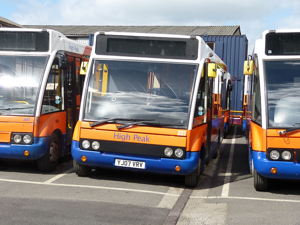 Centrebus [High Peak] 237 160807 Dove Holes